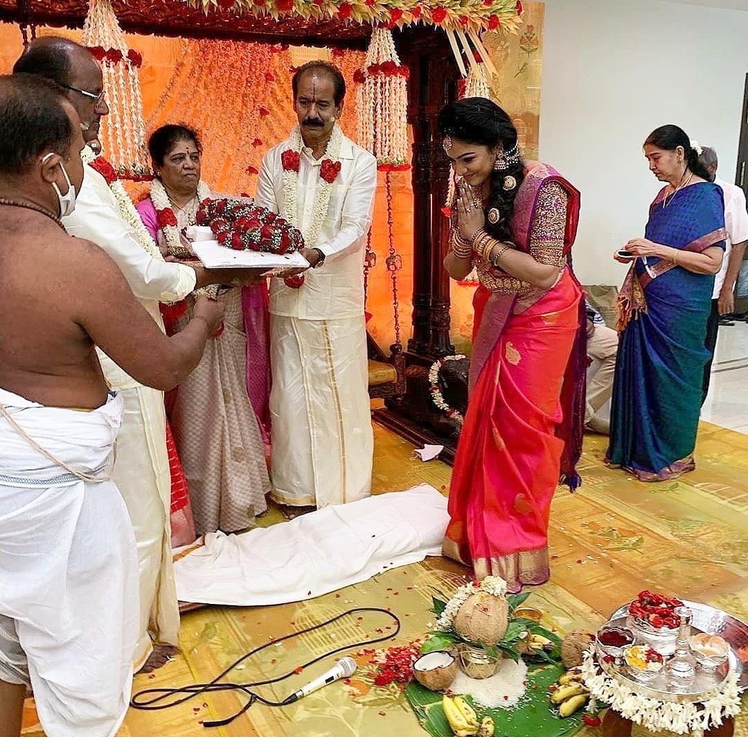 VJ Chitra Family Photos