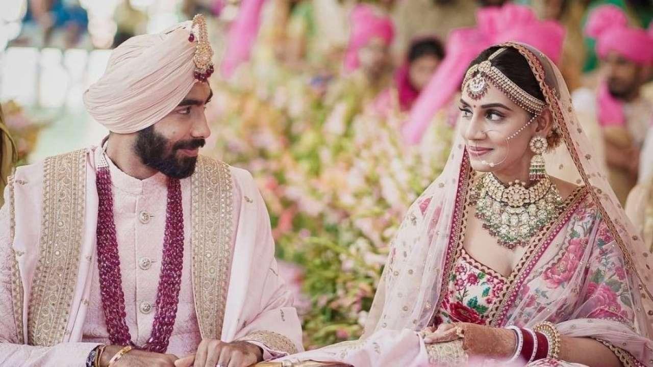 Bumrah Sanjana Marriage Photos